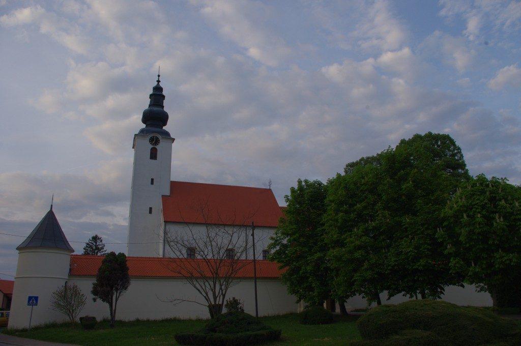 Crkva sv. Marije Snježne u Kutini