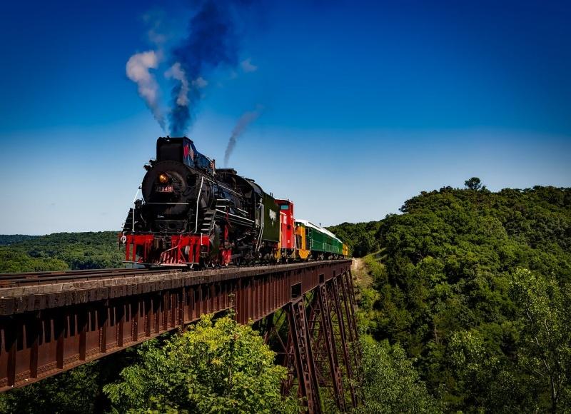 Vlak na mostu